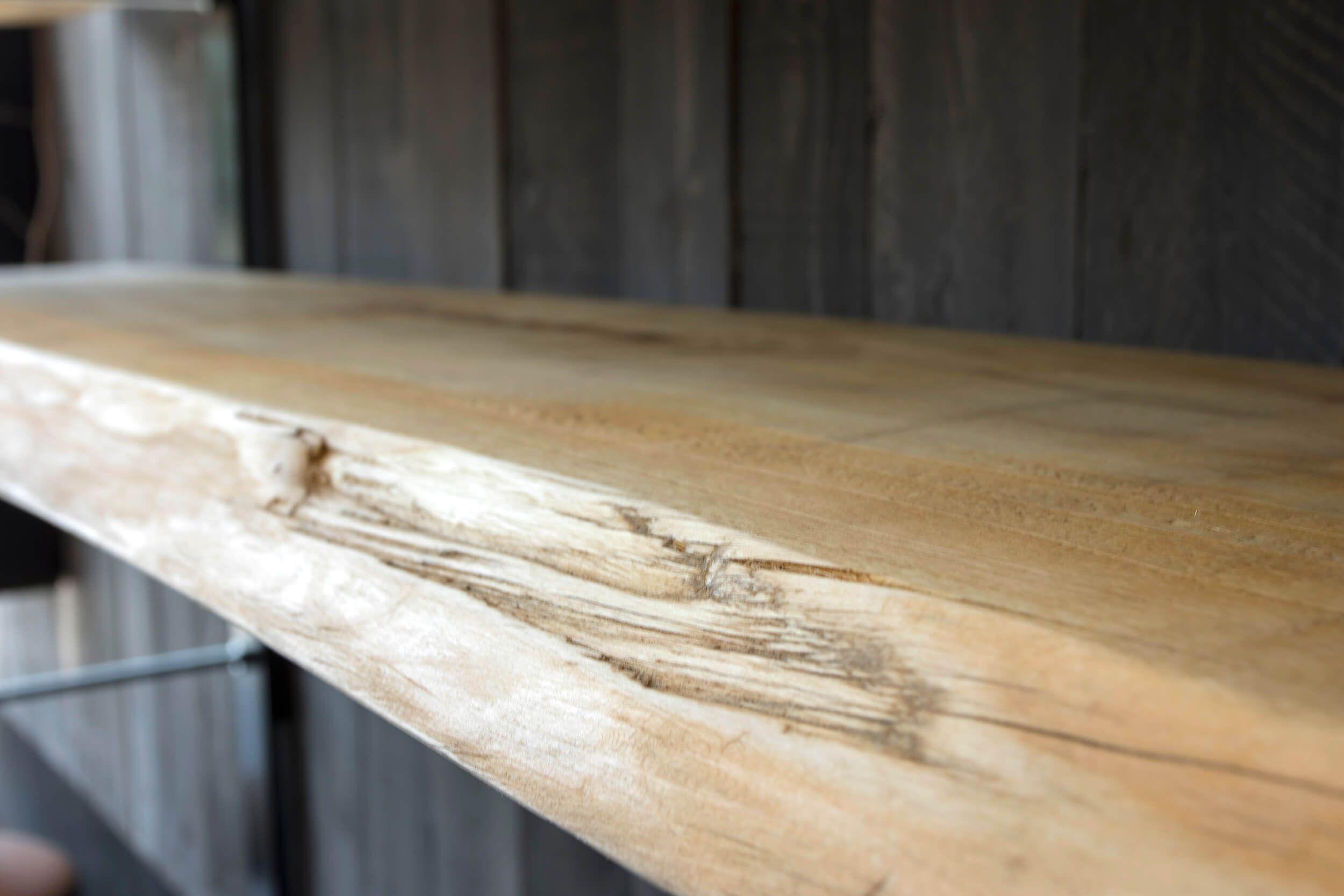 Assi Di Legno Grezze : Libreria in legno di pioppo effetto grezzo sostenuta da montanti in