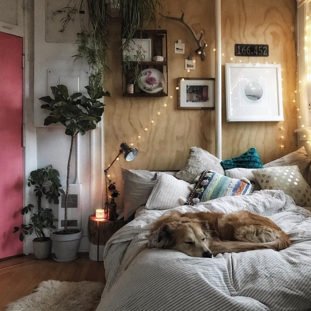 gem tlicher schlafbereich mit lichterkette und diy m beln schlafzimmer einrichtung bett. Black Bedroom Furniture Sets. Home Design Ideas