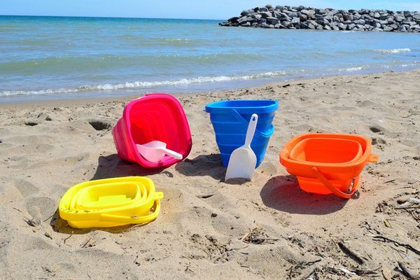 Packable Pails Full Sized Collapsible Beach Pails 20 Off