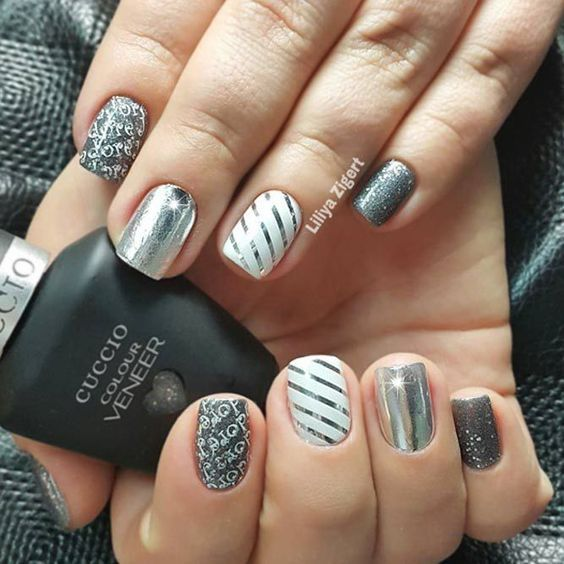 21 Exciting Ideas for New Years Nails to Warm Up Your Holiday Mood: Cool  and Simple Striped Nail Design #newyearseve; #nails; #naildesigns; ... - 21 Exciting Ideas For New Years Nails To Warm Up Your Holiday Mood
