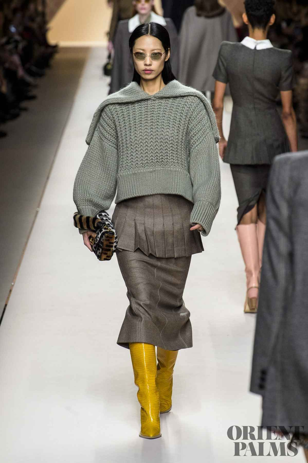 Fendi Fall-winter 2018-2019 - Ready-to-Wear   Favourite from Fendi ... 366df5f8bd4