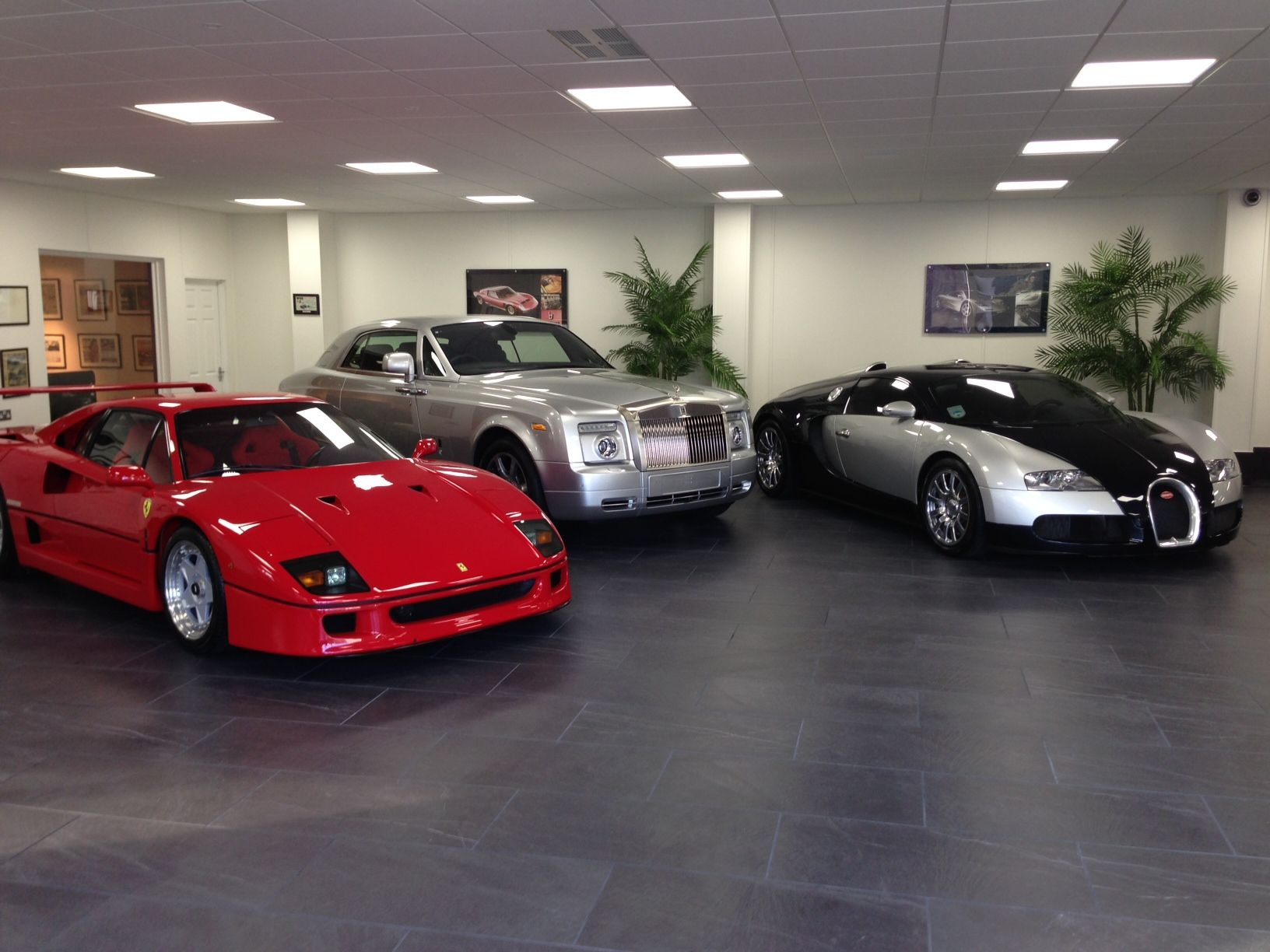 Porcelain Tiles For Luxury Car Showroom Garage Flooring