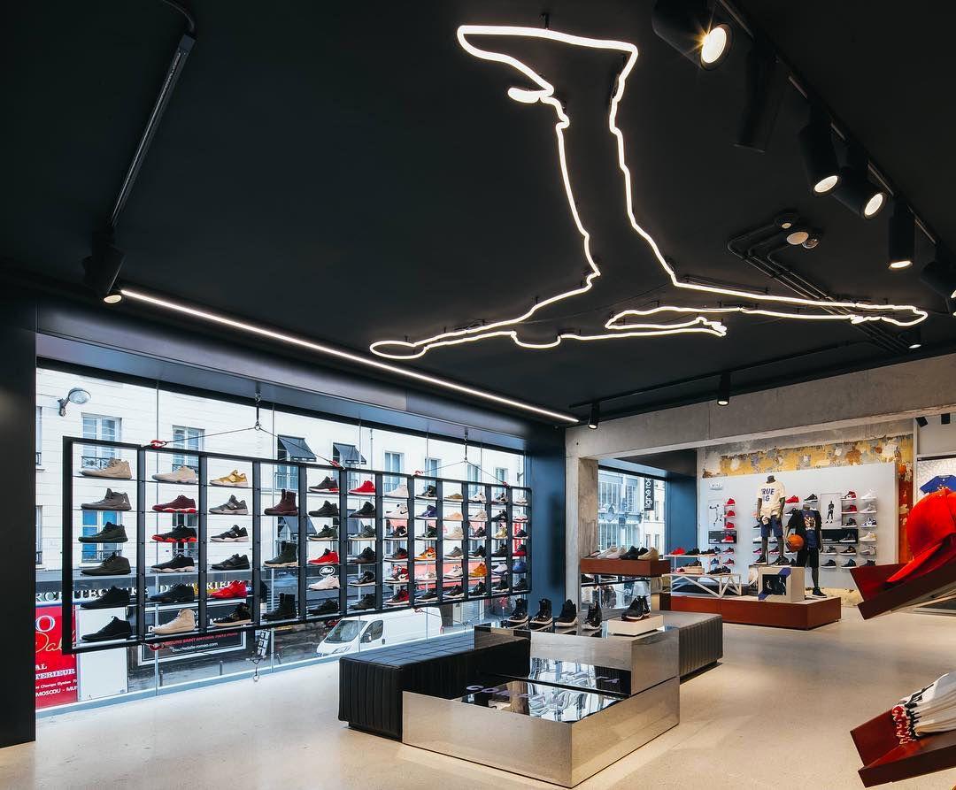 mejor venta super servicio comprar Nike sotre - Jordan - Europe   Store design in 2019   Store ...