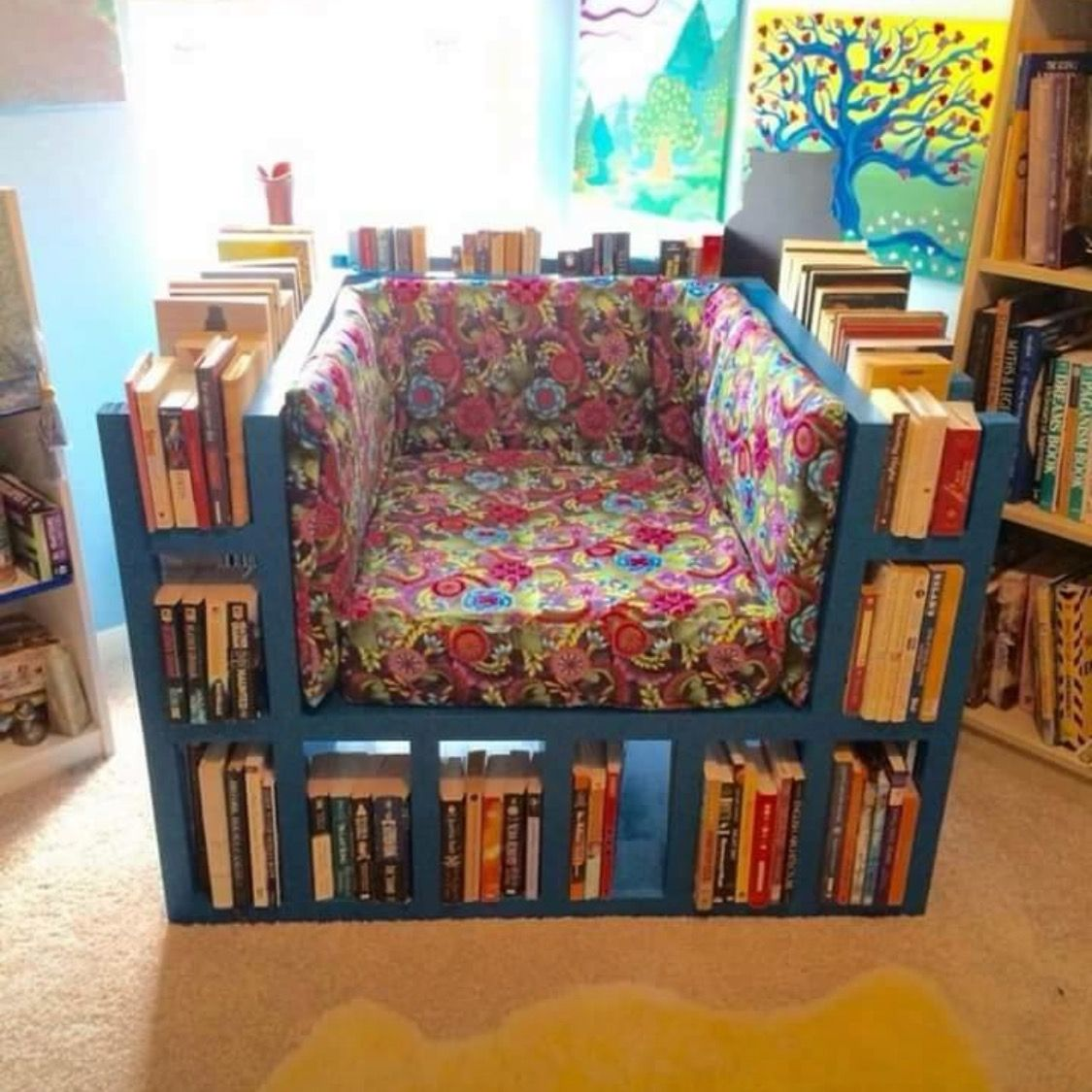 Awesome reading chair!