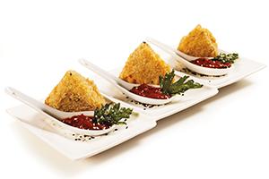 Berenjenas empanizadas con salsa de tomate | Sabores en Linea