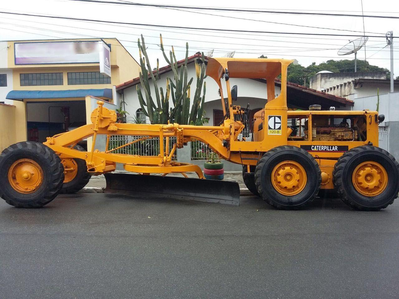 MOTONIVELADORA CAT PATROL 120B