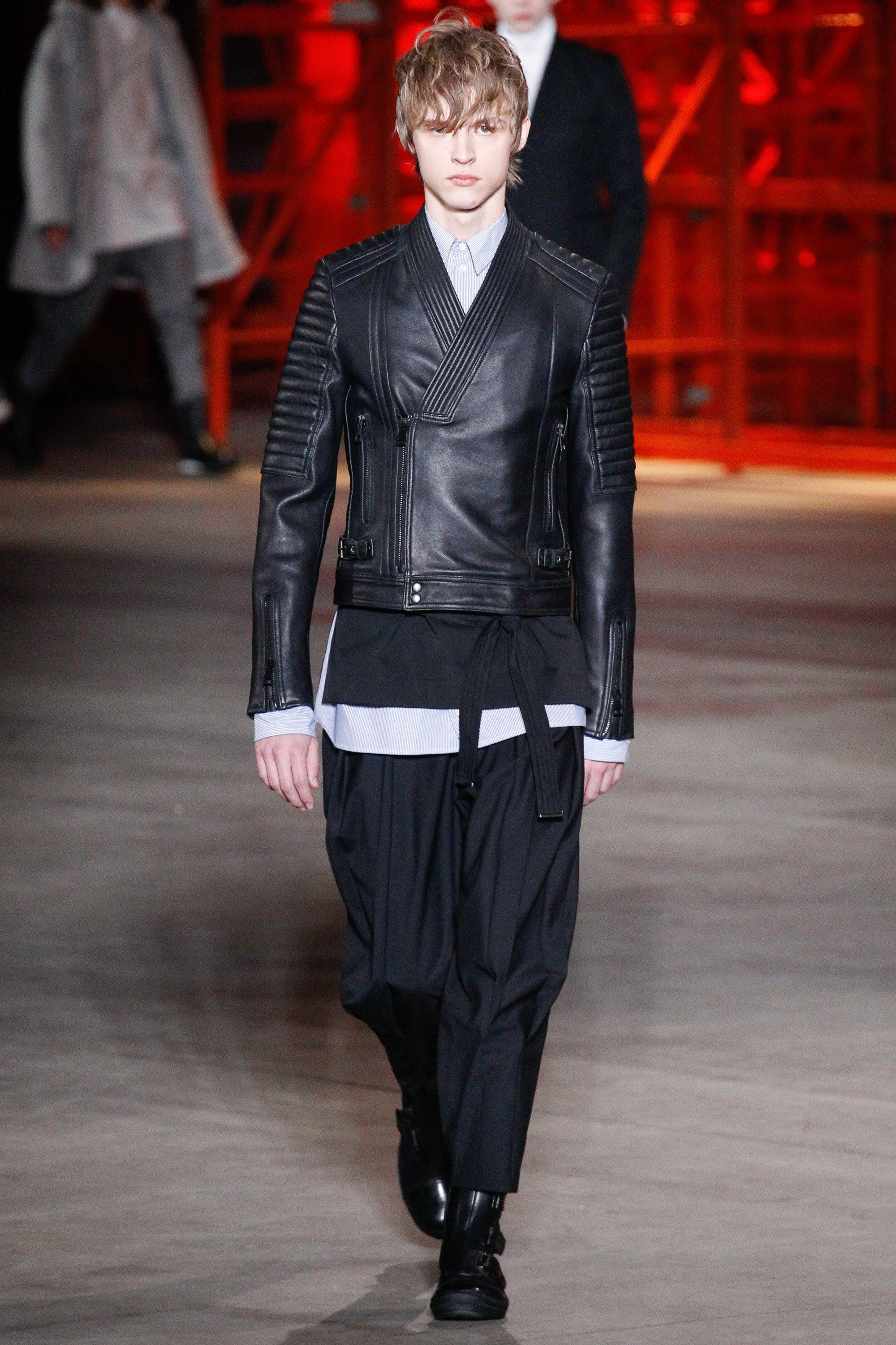 See the complete Diesel Black Gold Fall 2017 Menswear collection.