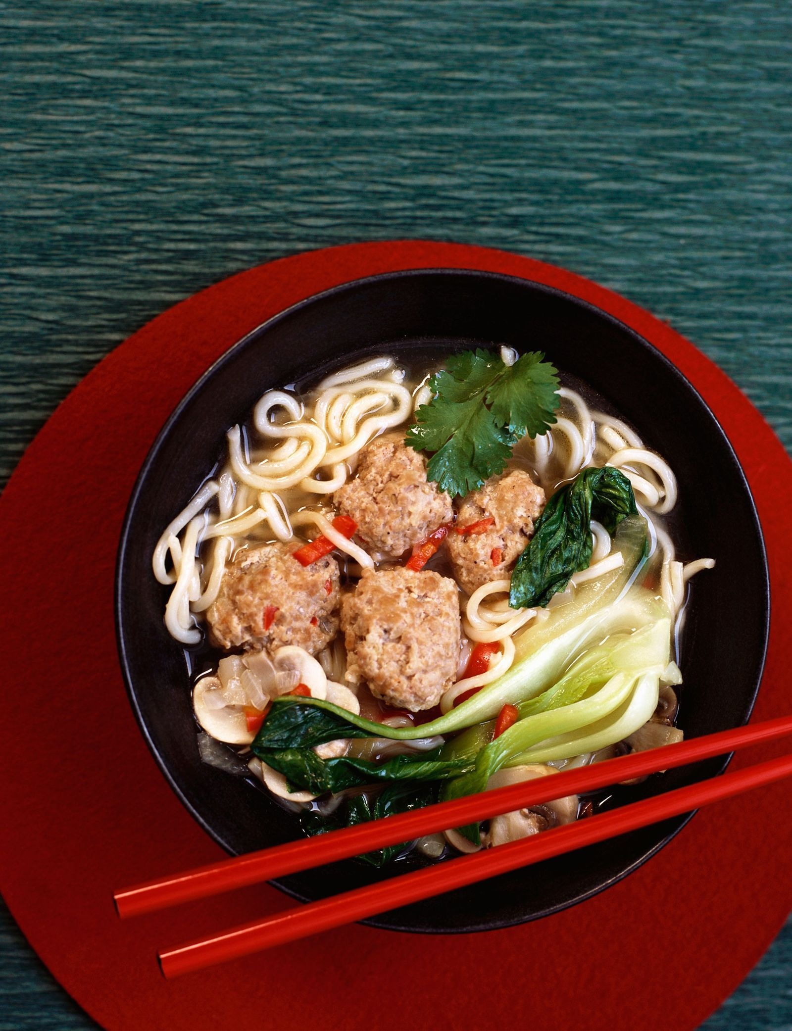 20 Dinner Recipes That Have Ramen Noodles As A Main