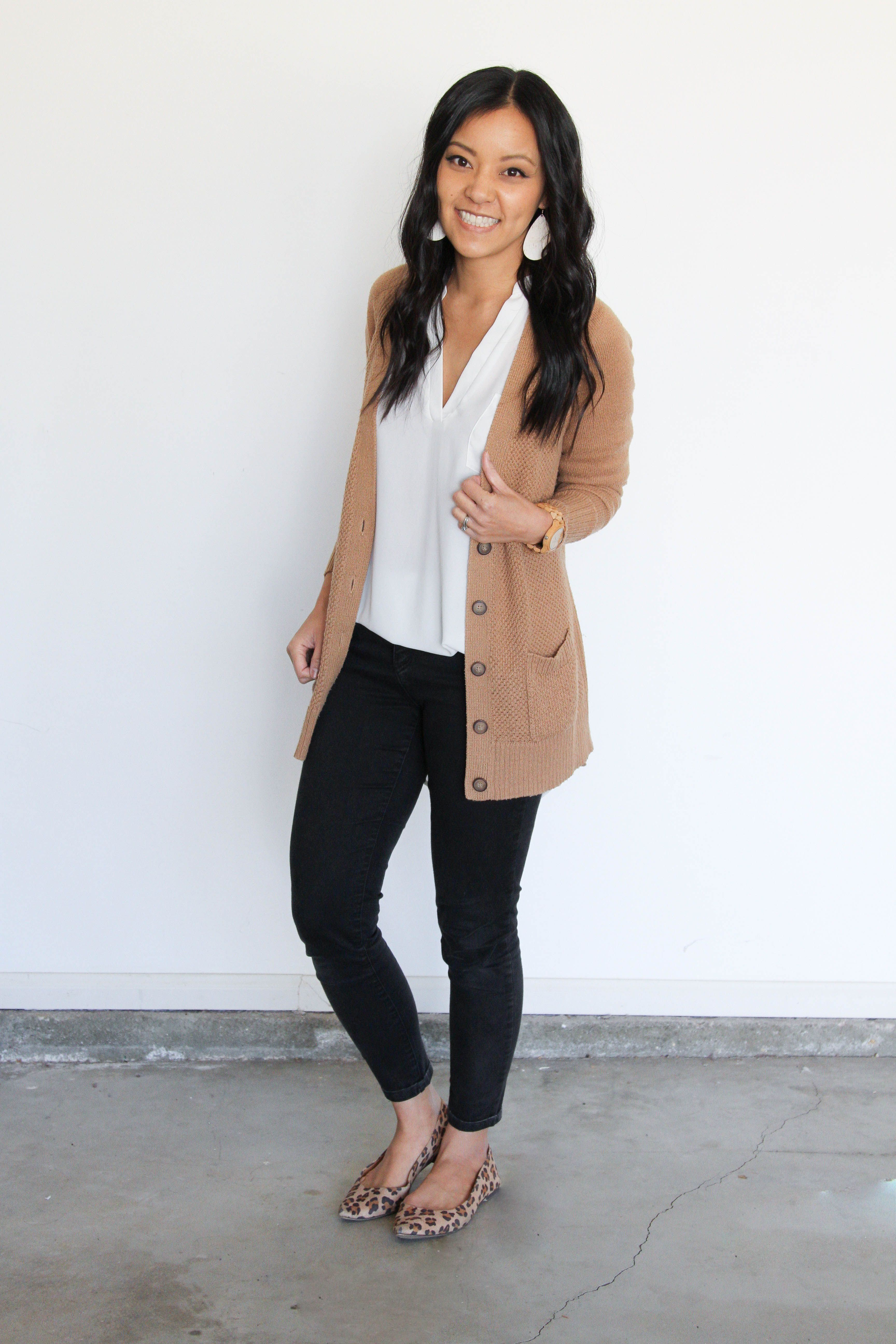 Plain To Polished Adding A Print To Make A Plain Outfit Look Good Summer Work Outfits Plain Outfits Work Outfits Women [ 5184 x 3456 Pixel ]
