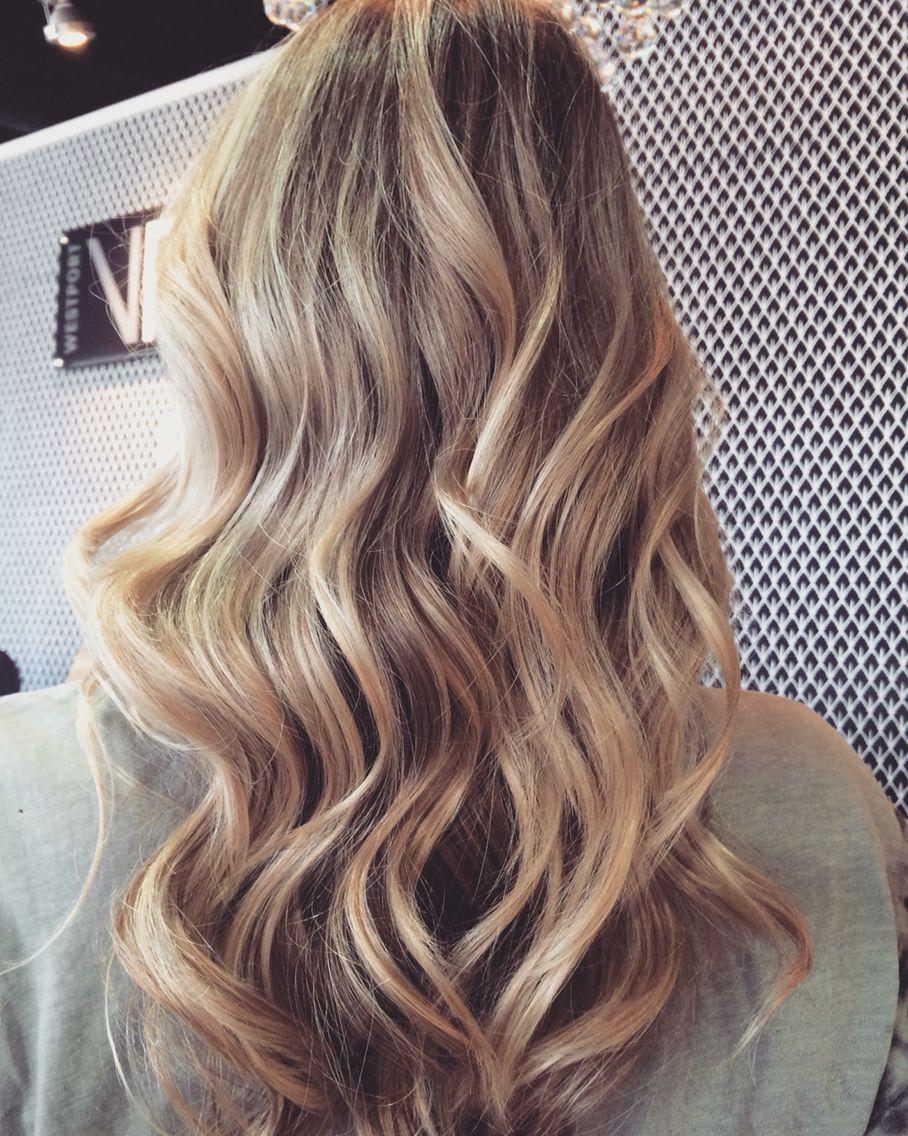 Beige Blonde Highlight Samanthathecolorist Vincentpalumbosalon Westport Long Blonde Hair Hair Styles Long Hair Styles