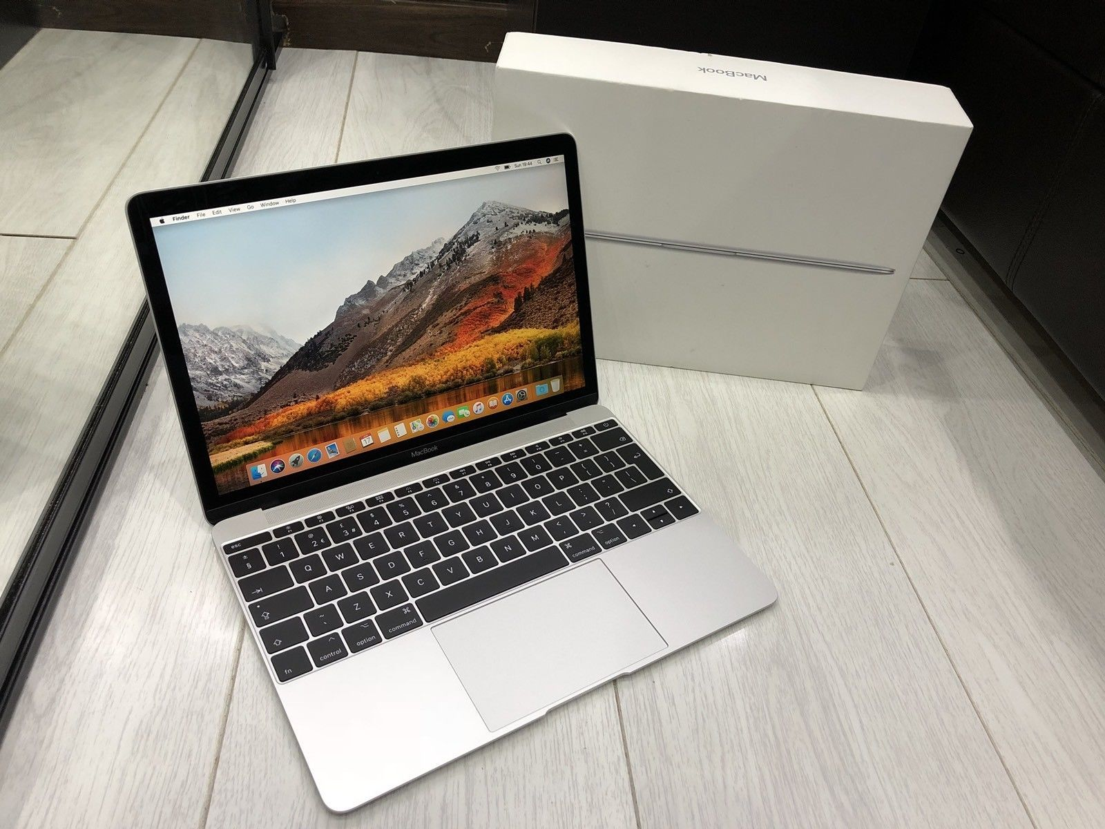 Types Of Apple Laptops Apple Macbook Mac Laptop Shopping Website Http Www Usaonlinesale Com Apple Laptop Apple Products Laptop Price