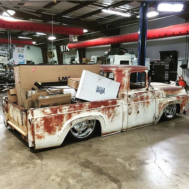 low fast famous photo gas monkey garage dallas tx. Black Bedroom Furniture Sets. Home Design Ideas