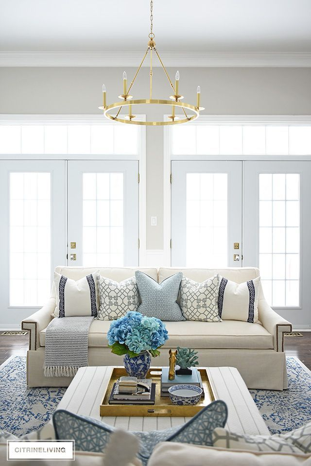 SPRING LIVING ROOM DECORATING: BLUE + WHITE (With images ...