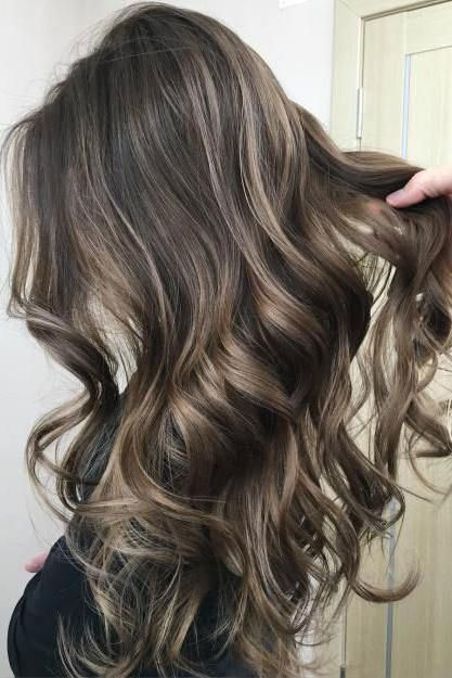Mushroom Brown Hair Is Trending for 2018\u2014And It\u2019s Much Prettier Than It Sounds en 2019  H A I R