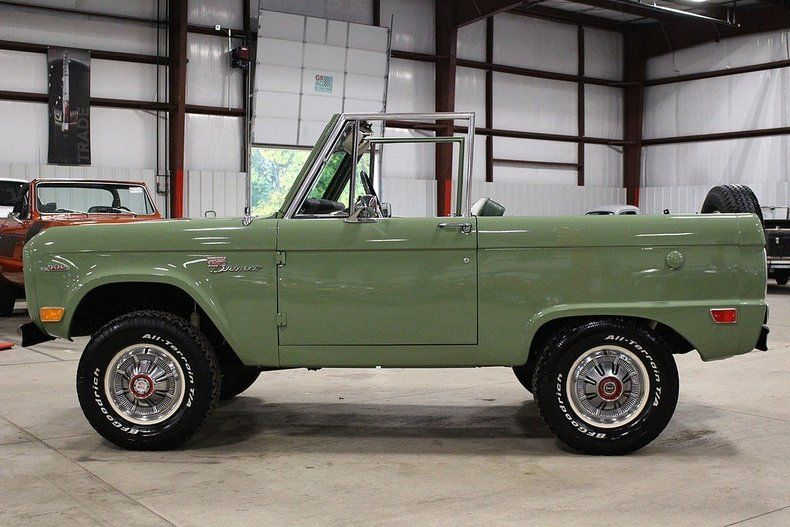 Boxwood Green Bronco 2 With Images Ford Bronco For Sale Ford