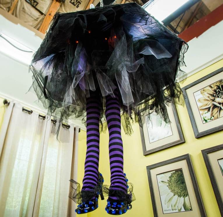 51+ Spooky DIY Indoor Halloween Decoration Ideas For 2020