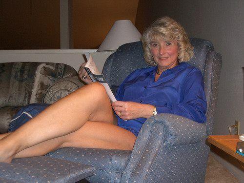 Mature women long legs