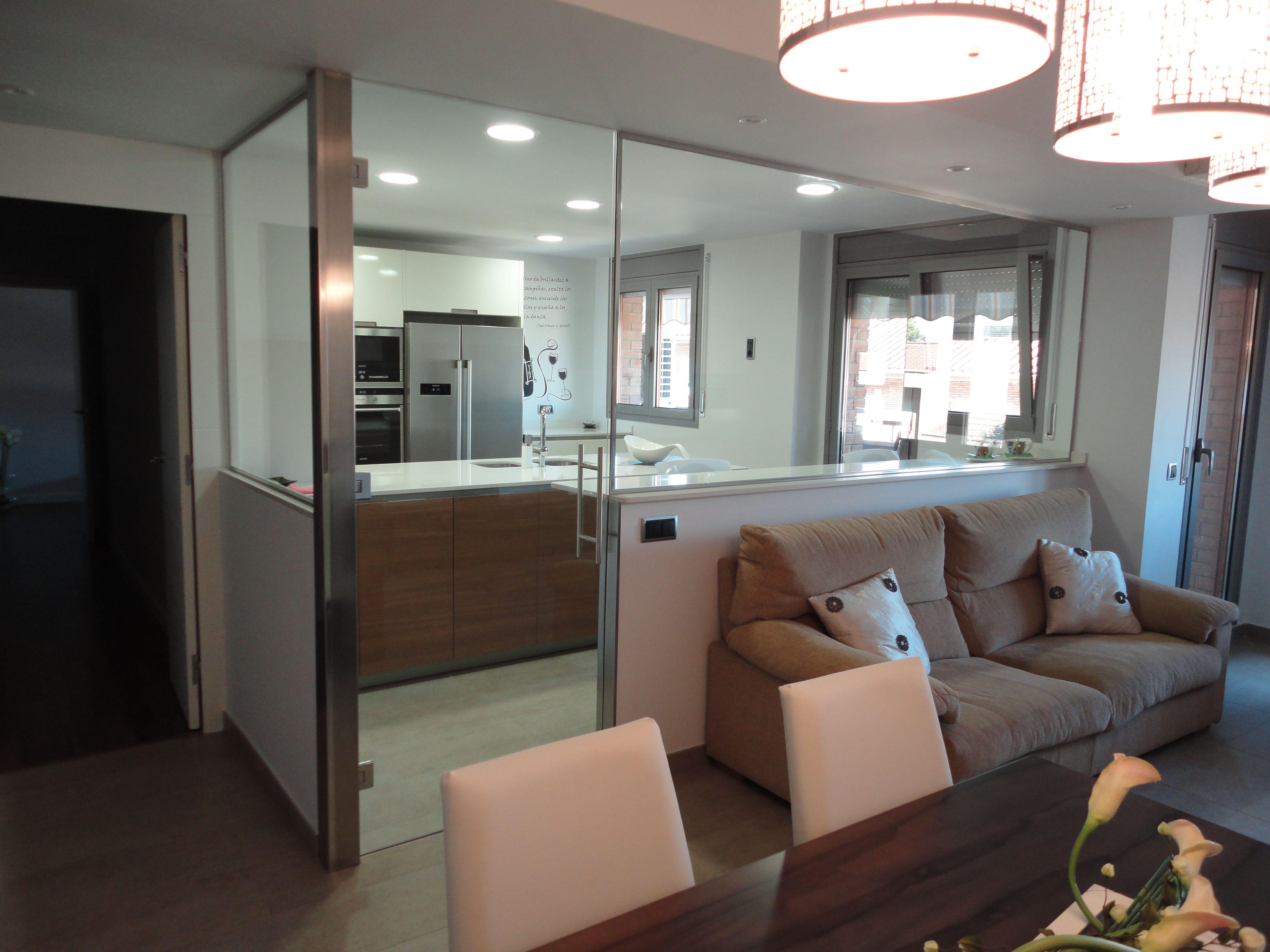 Reforma completa renova interiors mobiliario santos for Separador cocina comedor