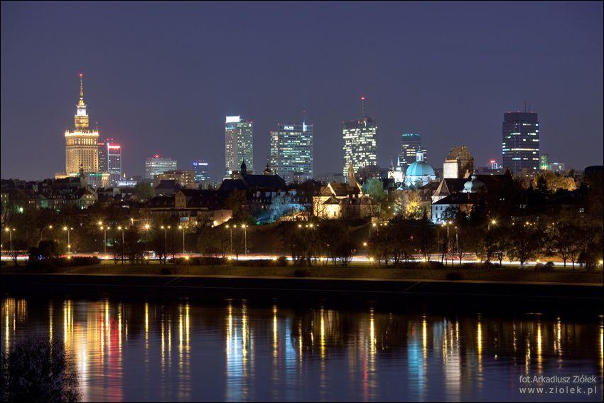 My beloved Warsaw by night. Nocna panorama widziana z mostu Gdańskiego. From www.ziolek.pl