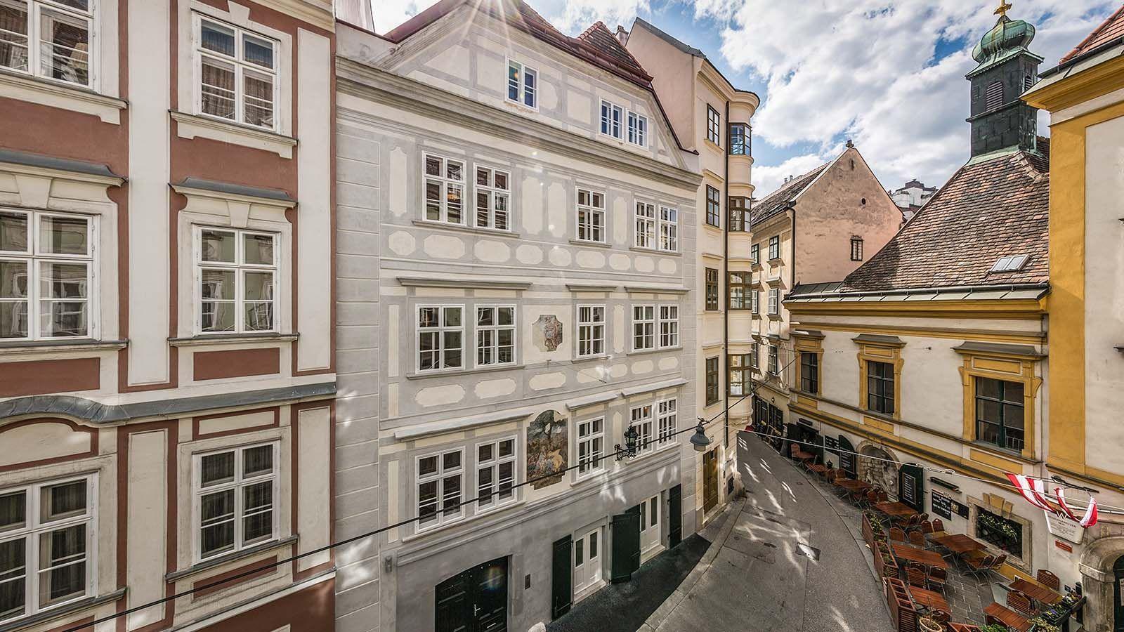 Elegantes Stadthaus Im Herzen Wiens Wien Innere Stadt Otto Immobilien Viktorianisches Haus Stadthaus Fassade Haus