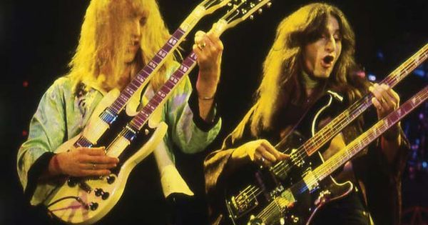 Duelling double guitars. Alex Lifeson and Geddy Lee of Rush. #music
