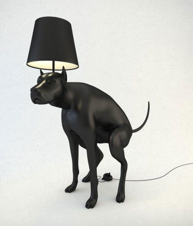 Abajur de cão defecando