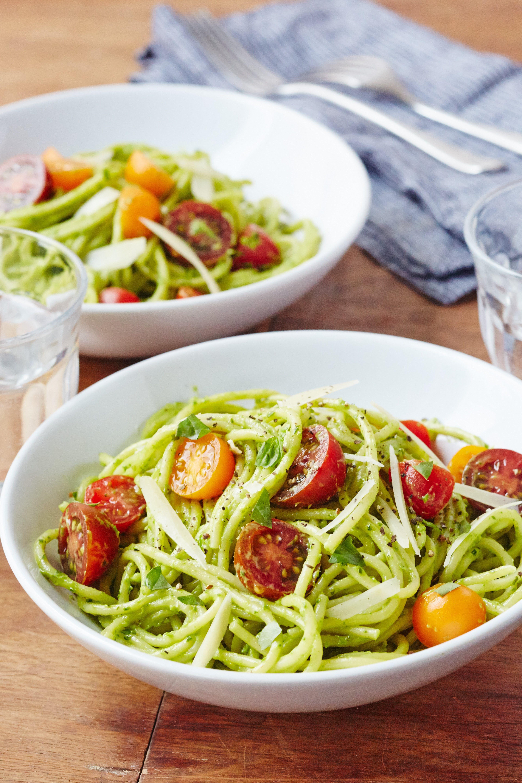 How To Make Creamy Avocado Pasta Recipe Avocado Recipes Pasta Creamy Avocado Pasta Popular Pasta Recipes