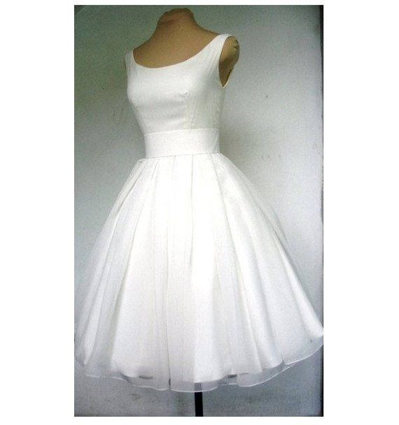 Patron wedding dress short civil wedding or religious custom style 50's or 60's