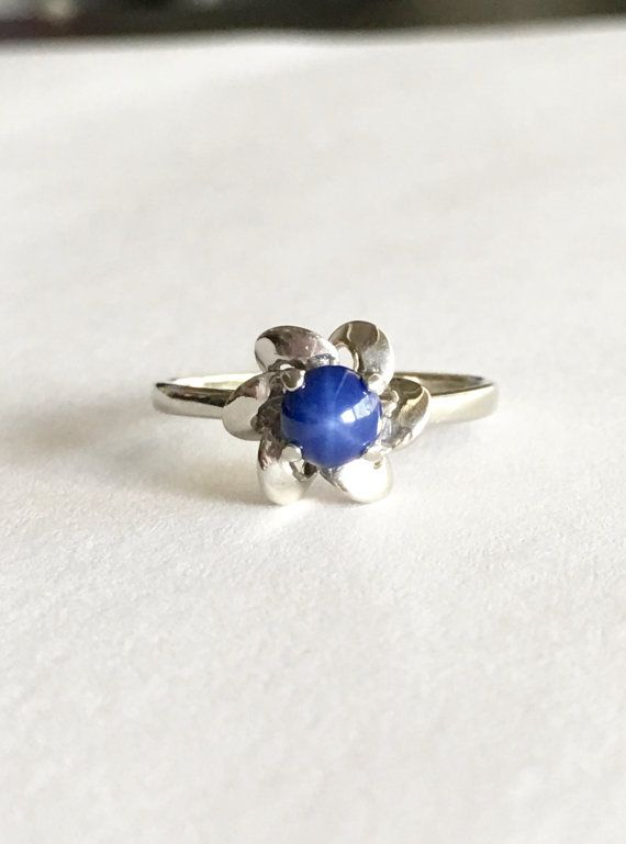 Star Sapphire Ring 10k Gold Flower Ring By Bellalanajewelry Star Sapphire Ring Vintage Sapphire Ring Gold Flower Ring