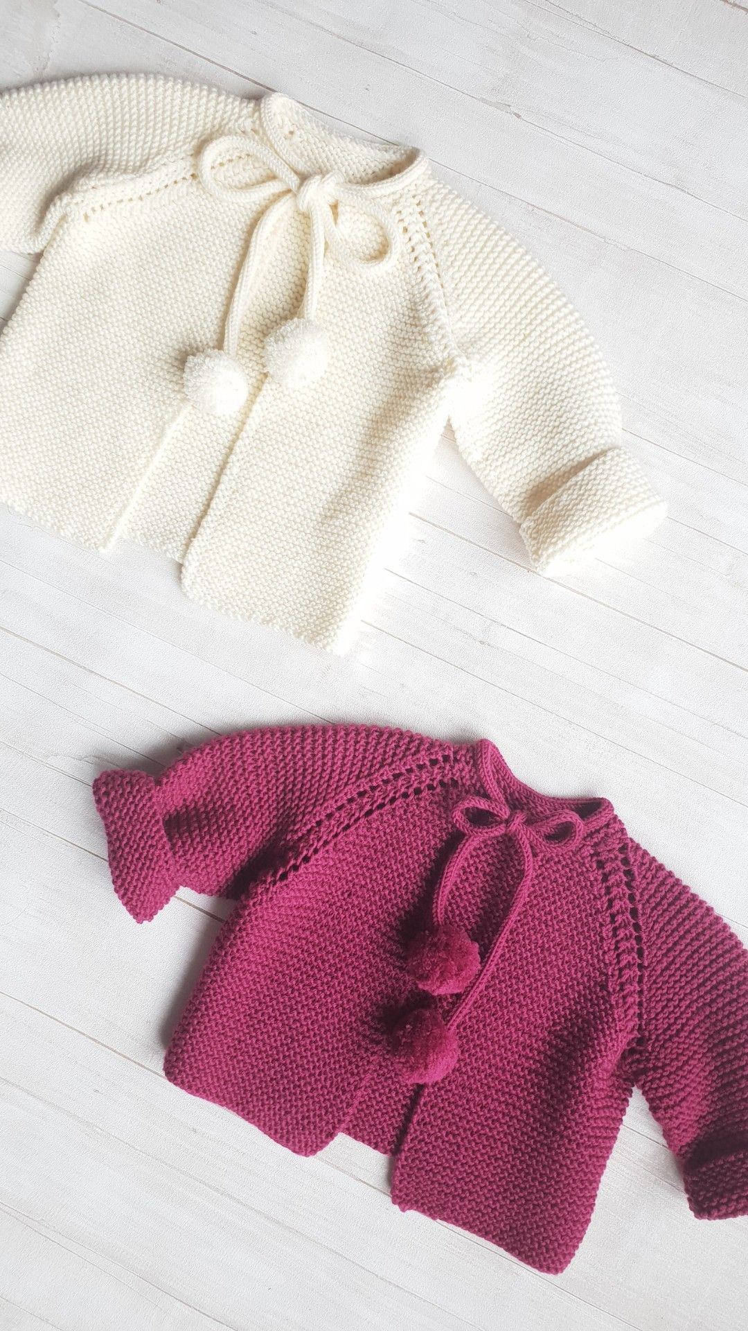 7daeefbec3b4 Merino wool baby cardigan with pom pom bands