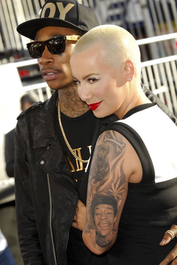 ca58c031bc232 Stars with portrait tattoos | tatuaje | Tattoos, Amber rose tattoo y ...