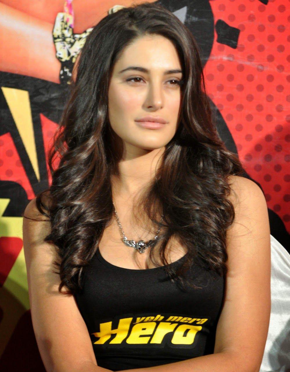 Nargis fakhri hot sexy photos