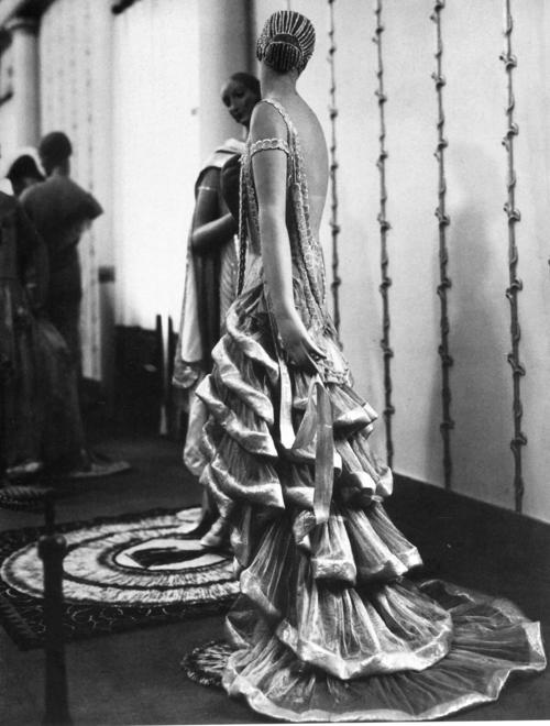 Man Ray fashion photograph, 1925. Image via Pinterest.