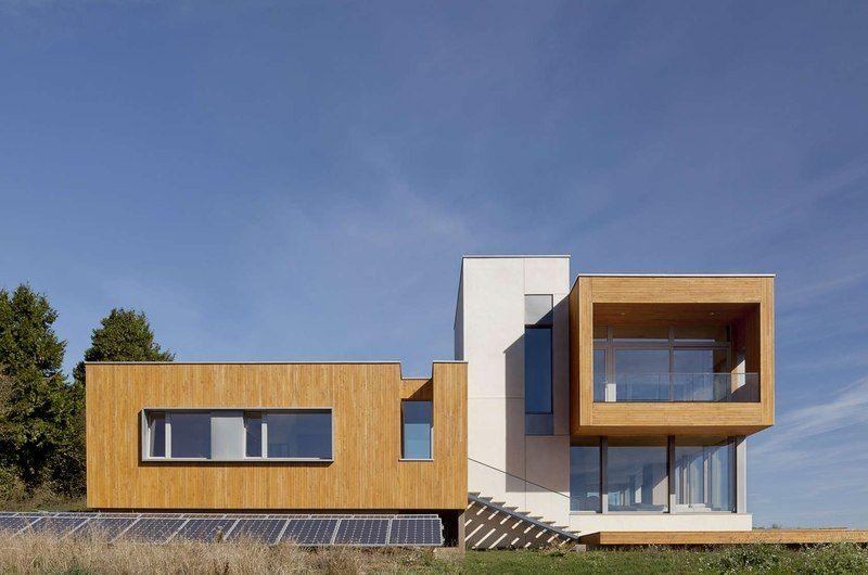Magnifique panorama pour cette maison passive contemporaine bois et ...