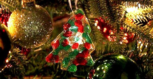 Make Your Tree Your Own With These Melted Bead Ornaments Christmas