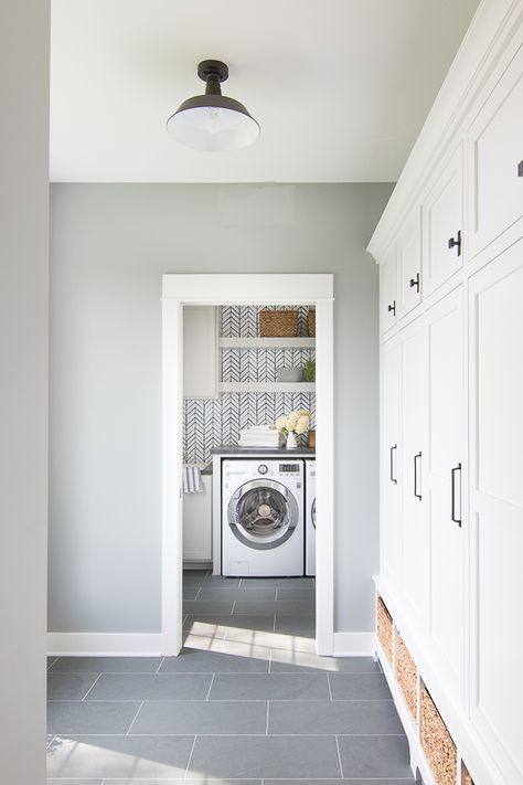 Wallpapered Laundry Room | Laundry room tile, Laundry room ...