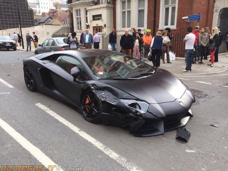 Lamborghini Aventador Wrecked