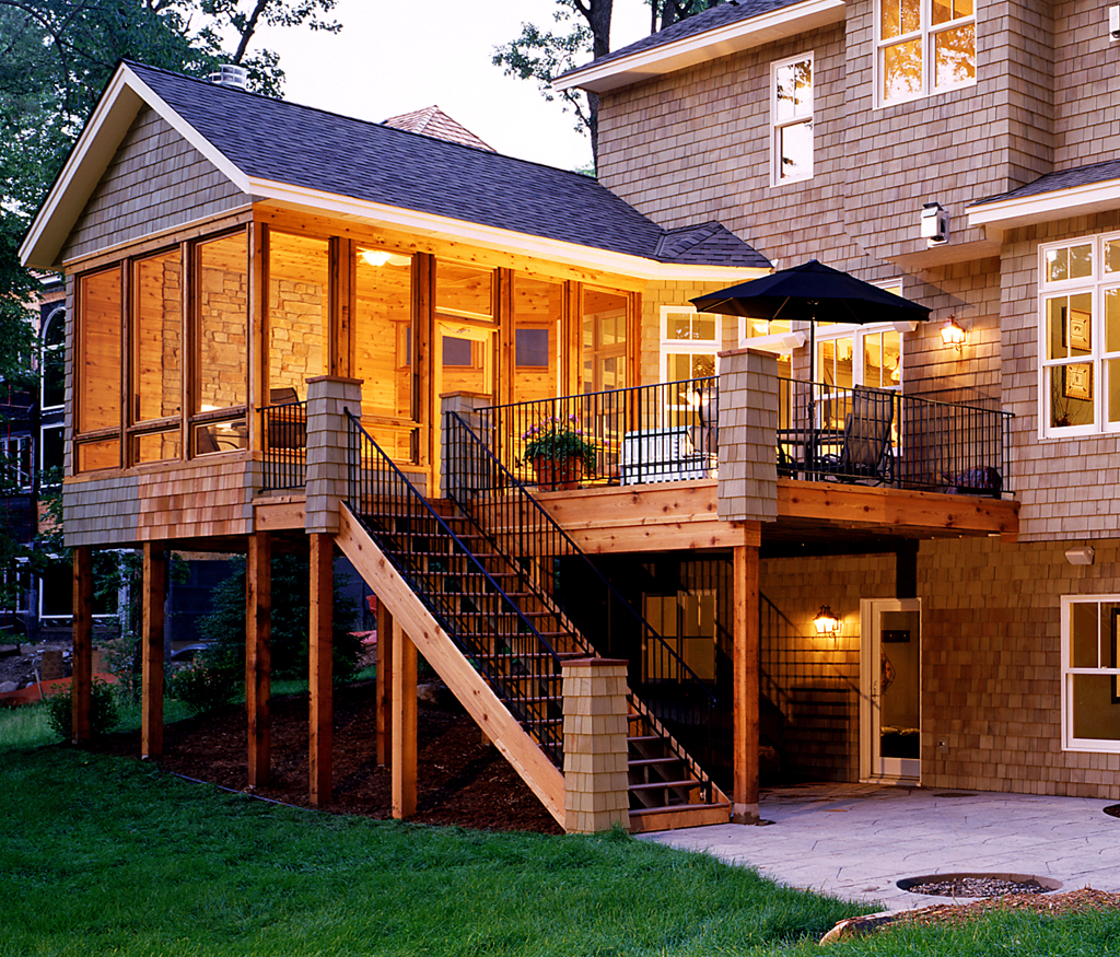 23 amazing covered deck ideas to inspire you check it out for Covered porch flooring options