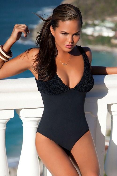 Gorgeous Chrissy Teigen Style Swimsuits Swimwear Fashion