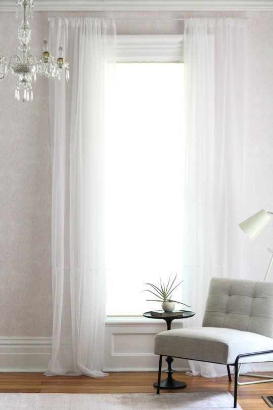 How To Hang Curtains Do S Don Ts Apartment Therapy