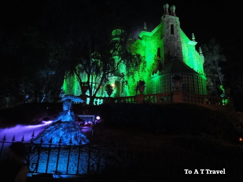 mickeys not so scary halloween party why you should make plans now to go - Article About Halloween
