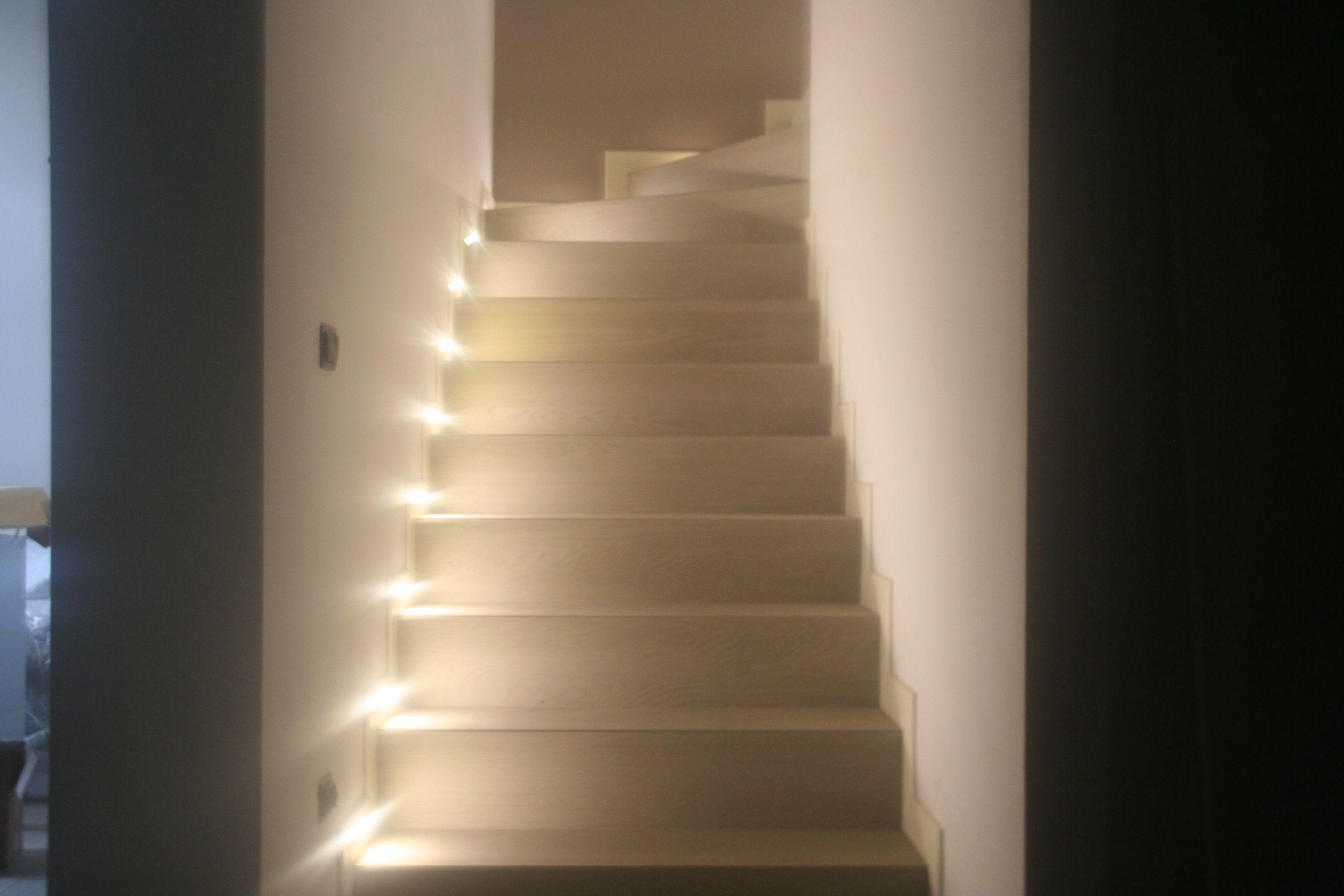 Illuminazione interni strisce led festa impianti elettrici