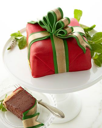 holiday red present cake  http://rstyle.me/n/d2jntq7cw