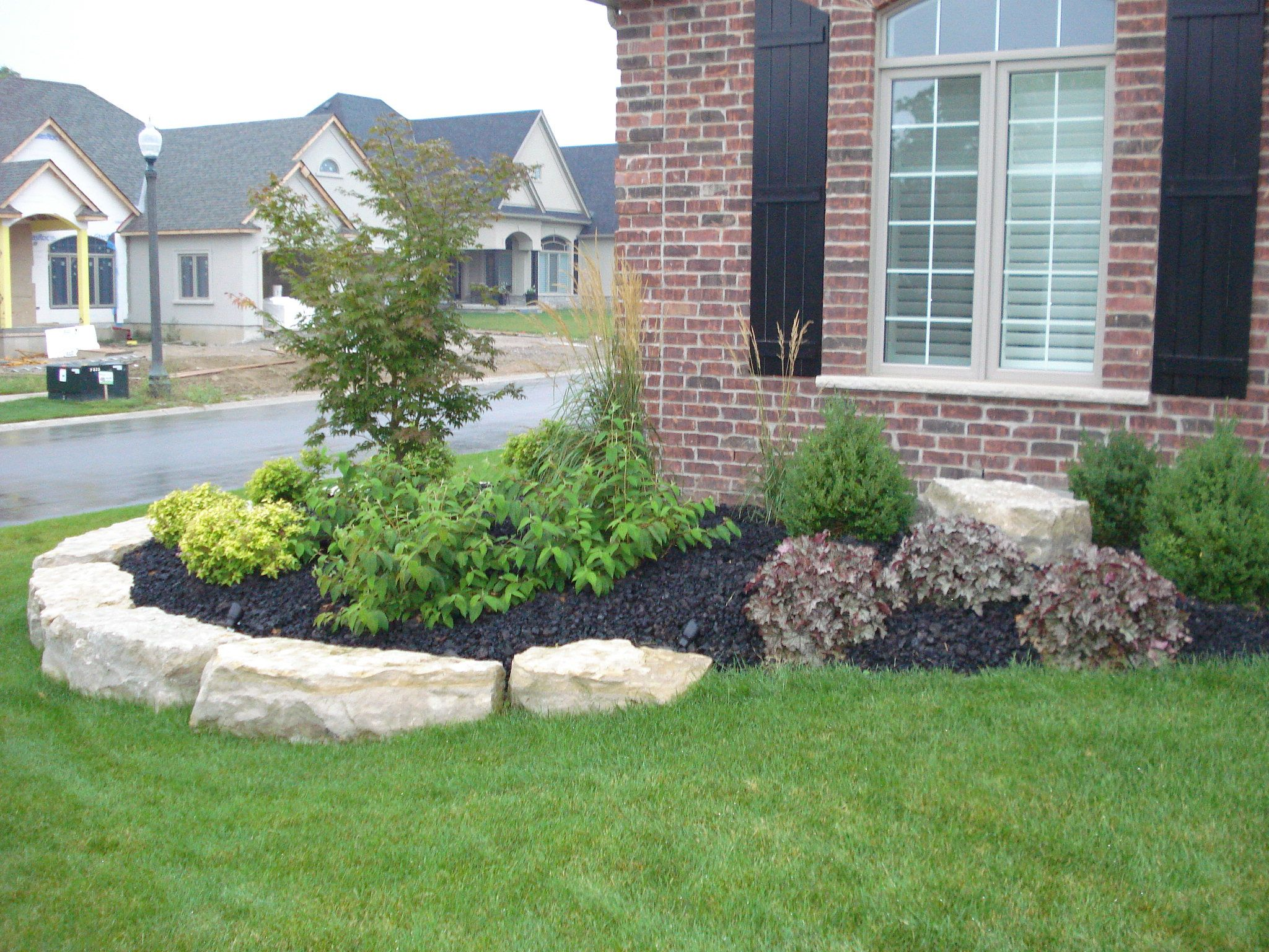 Front flower bed landscaping ideas how much does for Garden design ideas ontario