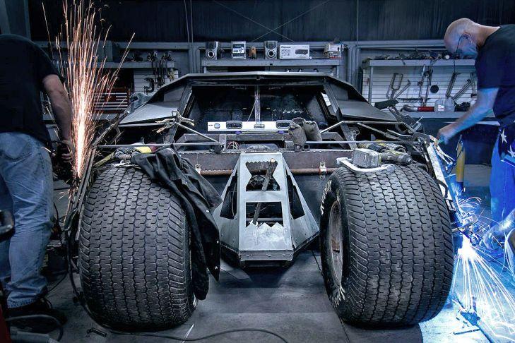 batman tumbler replika batmobil für die straße  batmobil