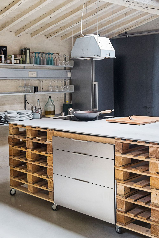 DIY cuisine faciles et pas chers  Armoires de cuisine palettes
