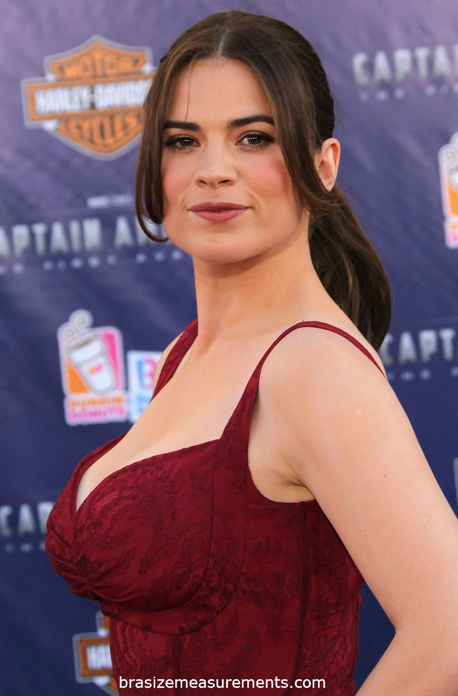 Hayley Atwell Body Measurements And Net Worth Actress Hayley Atwell Hayley Atwell Hayley Attwell