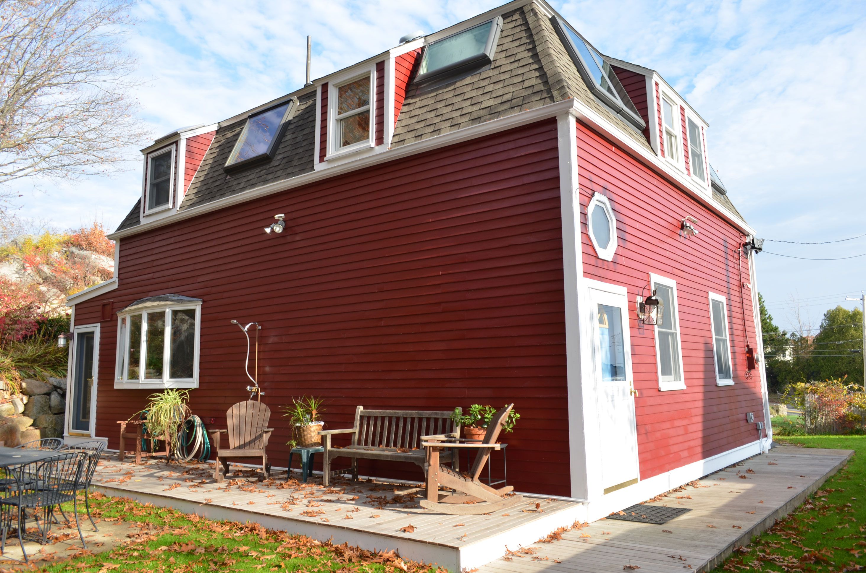 little red house enjoy this comfortable recently renovated 3 br rh pinterest com