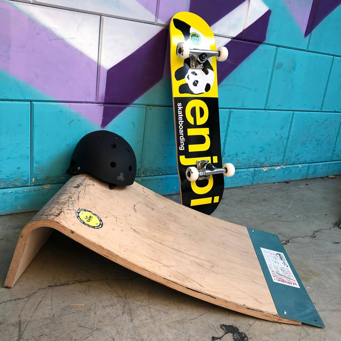 Graw Skate Ramps So Much Fun You Need This At Home Right Well Whats Stopping You Enjoi Skateboardingisfun Enjoiskateboards Graw Skatepark Skat In 2020