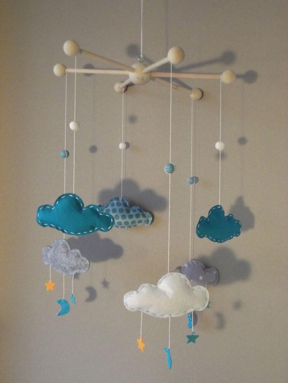 sur commande mobile mes beaux nuages avec toiles et lunes couleurs bleu turquoise gris et. Black Bedroom Furniture Sets. Home Design Ideas